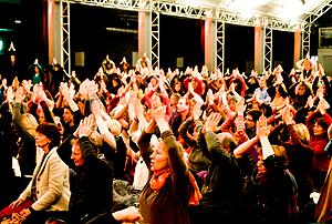Publikum in Ton Halle 2012